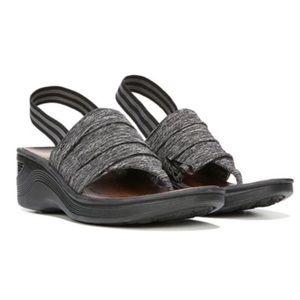 BZees Black Dazzle Wedge Sandal Sz 8.5